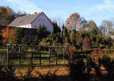 dom jesienią